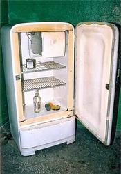 Принимаем,  вывозим б.у.  холодильники на металлолом!